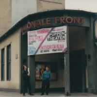 dffb in Leipzig 1990: Bertram vor Eingang NATO